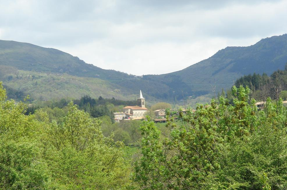 le village au pied de l'Escrinet